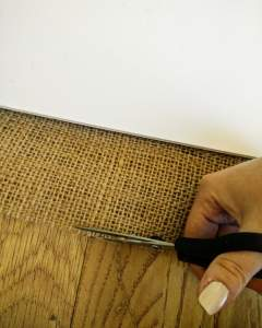 image-cutting-hessian-notice-board-scissors